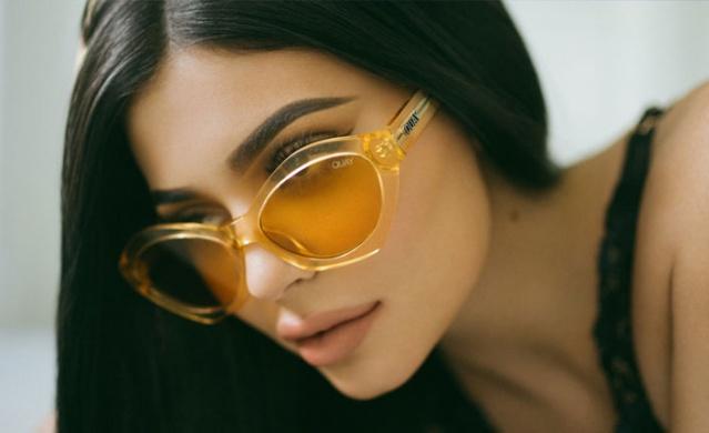 Kendi adını taşıyan kozmetik ürünleri sayesinde dünyanın 30 yaş altındaki en zengin kadını unvanını alan Kylie Jenner'ın ilk kez makyajsız hâli görüntülendi.