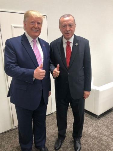 Erdoğan ile Trump böyle poz verdi