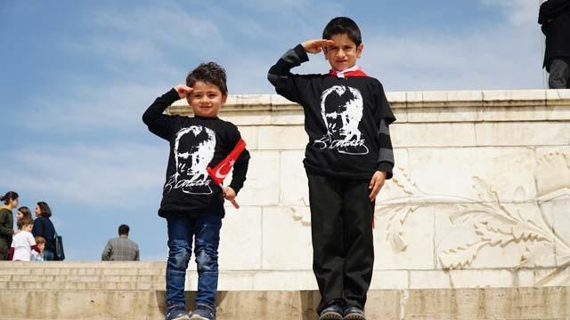 23 Nisan 1920'de Ankara'da Türkiye Büyük Millet Meclisi açıldı. Meclisin açılış günü olan bu tarihi Ulu Önder Mustafa Kemal Atatürk çocuklara armağan etti. Dünyada çocuk bayramının kutlandığı tek ülke ise Türkiye…