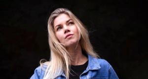 Kadın futbolcu Anouk Hoogendijk'ten cesur pozlar