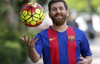 """Messi'nin İranlı ikizi, """"ben Messi'yim"""" deyip 23 kadınla..."""