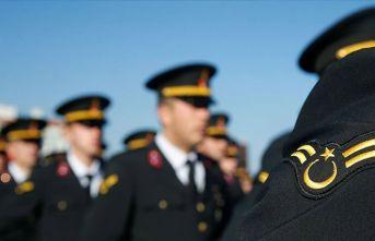 Akar'ın emriyle 2 bin 138 personel kovuldu