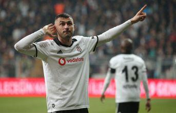 Beşiktaş'ın yeni kaptanı Burak Yılmaz!