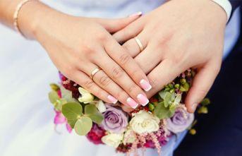 İlk evliliklerde yaş farkı azalıyor