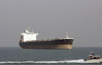 """İran uyardı: """"Petrol tankerimizi bırakın"""""""