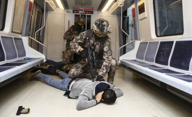 Ankara metrosunda tatbikat!