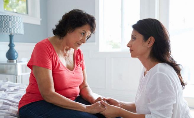 Erken başlangıçlı Alzheimer: Belirtileri, teşhisi ve tedavisi