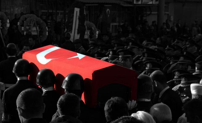 Suriye'de yaralanan asker şehit oldu