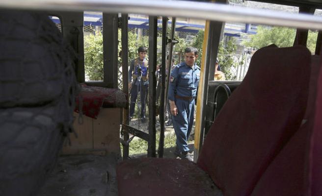 Afganistan'da 3 bombalı saldırı