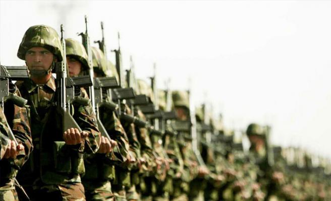 """AK Parti'den """"askerlik sistemi"""" açıklaması"""