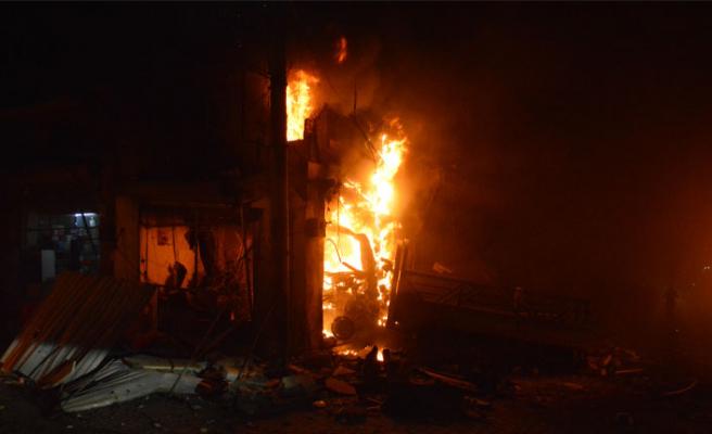 Azez'de terör saldırısı: 21 sivil öldü
