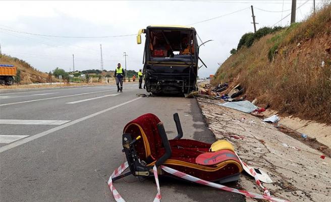 Balıkesir'de feci kaza: 4 ölü, 48 yaralı!