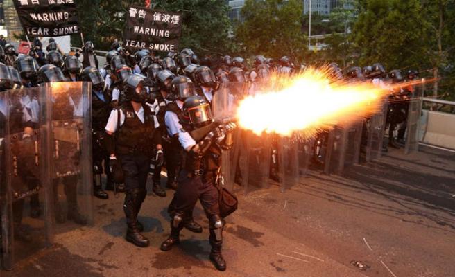 Hong Kong o yasaya karşı ayakta!