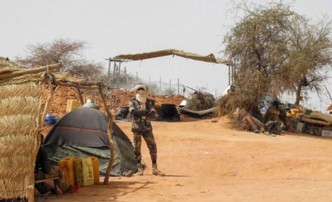 Mali'de köye saldırı: 95 kişi öldü