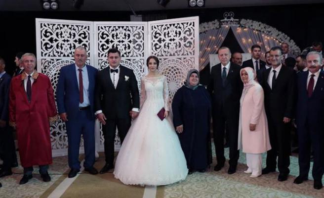 Mansur Yavaş nikahı kıydı, şahitliği Erdoğan yaptı