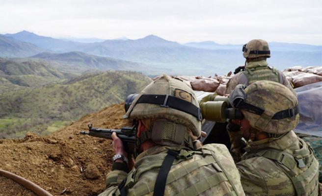 Sınırda çatışma: 3 şehit, 4 yaralı