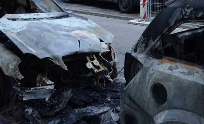 Türk kadının aracı kundaklandı