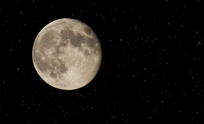 Hindistan Ay'da su arayacak