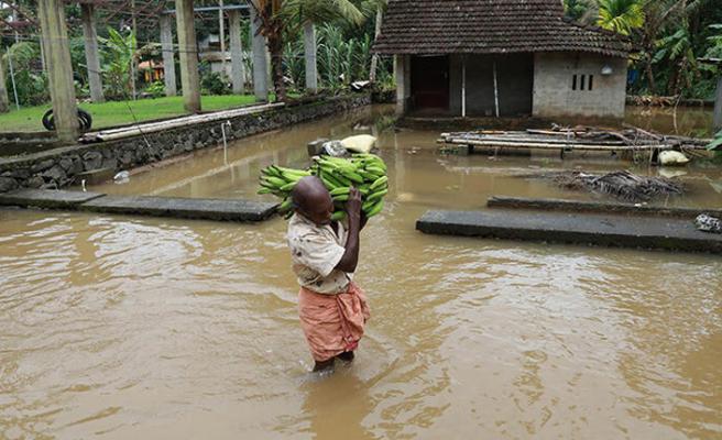 Hindistan'da sel felaketi: 12 ölü, 11 kayıp
