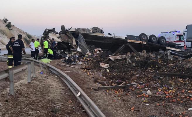 Korkunç kaza... 3 kişi öldü