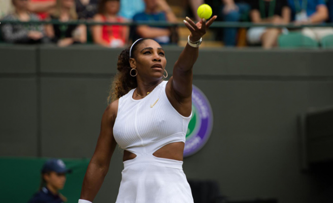 Serena Williams'a 'raket' cezası