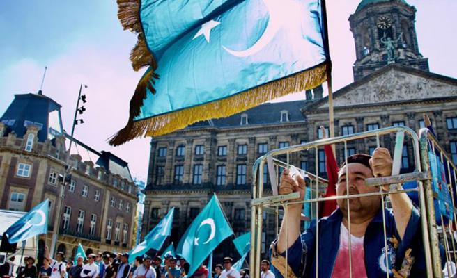 Uygur Türkleri'nden Çin'e protesto