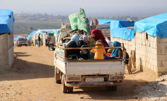 Esed rejimi saldırdı, 124 bin sivil sınıra dayandı