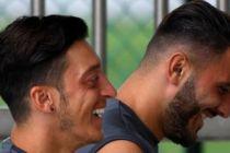 Mesut Özil'den saldırı sonrası ilk açıklama