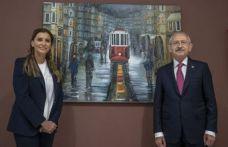 Kılıçdaroğlu, Hande Fırat'ın sergisini gezdi