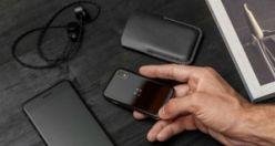 Dünyanın en küçük telefonu satışa sunuldu