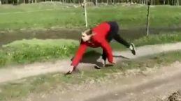 At gibi koşan kadın Ayla Kristine horse!