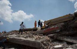 4 katlı bina çöktü: 14 ölü