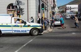 Peş peşe silahlı saldırılar: 43 ölü