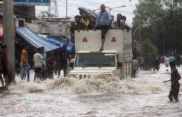 Hindistan'da selin bilançosu ağır: 22 kişi öldü