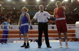 Kadın boksörlerden 4 madalya!