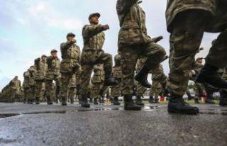 Bakan Akar'dan 'yeni askerlik sistemi'...