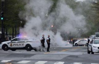 Beyaz Saray önünde kendini yakan adam öldü!
