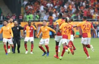 Galatasaray son dakikalarda açıldı!