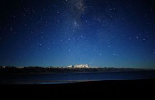 Gökyüzü geceleri neden karanlık olur?