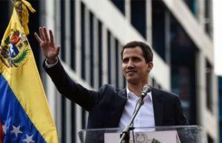 Maduro'ya meydan okuyan muhalefet lideri: Juan Guaido
