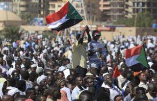 Sudan'da genel grev ilan edildi