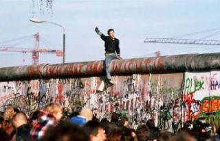 'Utanç Duvarı' olarak bilinen Berlin Duvarı'nın...
