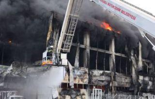 Fabrika alevlere teslim oldu: 5 kişi öldü