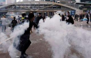 Hong Kong yönetimi şaşırttı: Özür diledi!