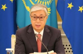 Kazakistan'da seçimin galibi Tokayev