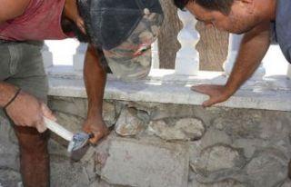 Okul duvarında 2 bin 300 yıllık yazıt!