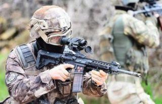 Suriye sınırında 4 terörist yakalandı