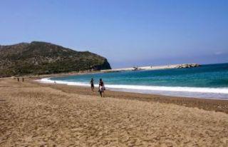 Suriyelilerin plaja girişi yasaklandı