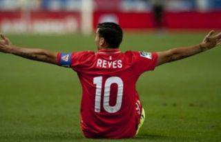 Ünlü futbolcu Reyes hayatını kaybetti