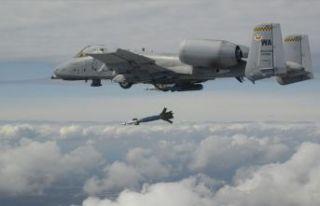 ABD savaş uçağı Florida'ya bomba yağdırdı